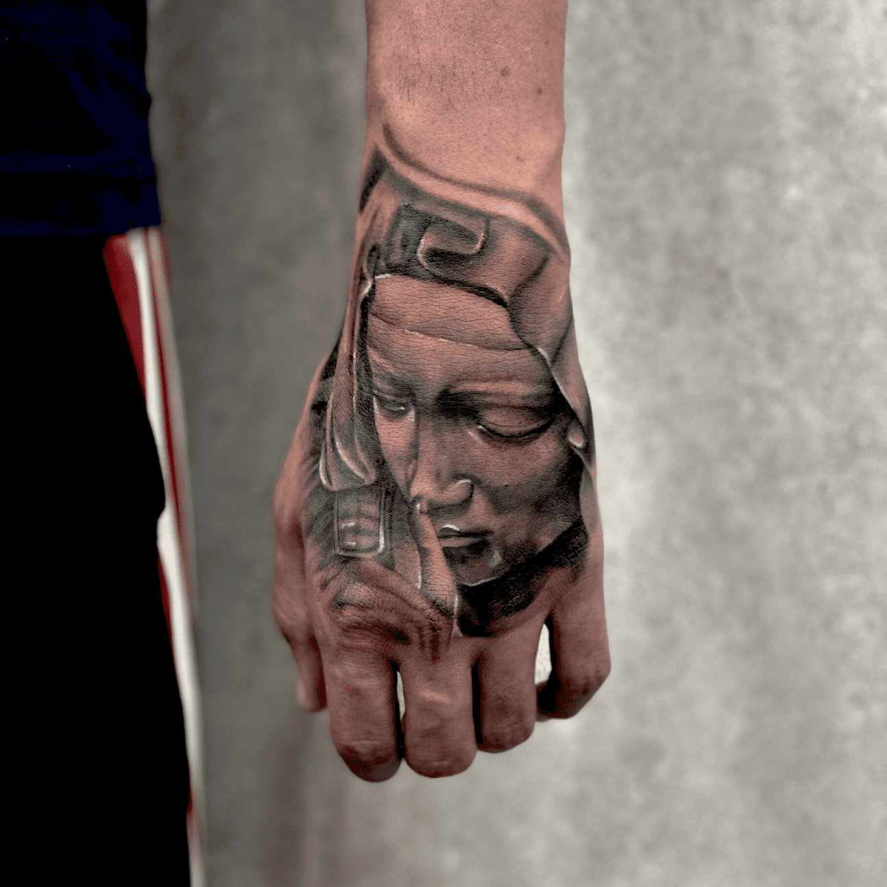 Tatuarsi-d'estate-Maria-Mano-Tatooo-alt