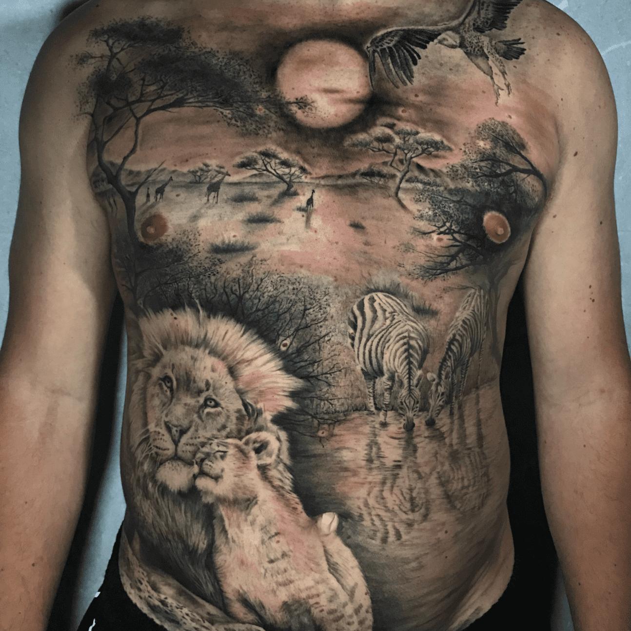 Tattoo bianco e nero a Roma