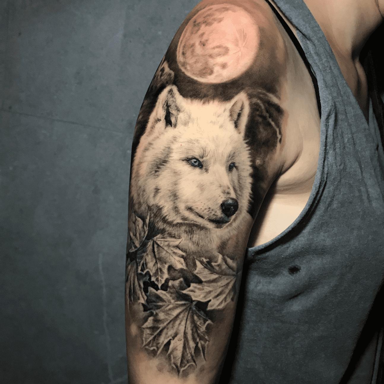 Se stai cercando tattoo bianco e nero a Roma guarda i lavori di Andrea Alessandroni