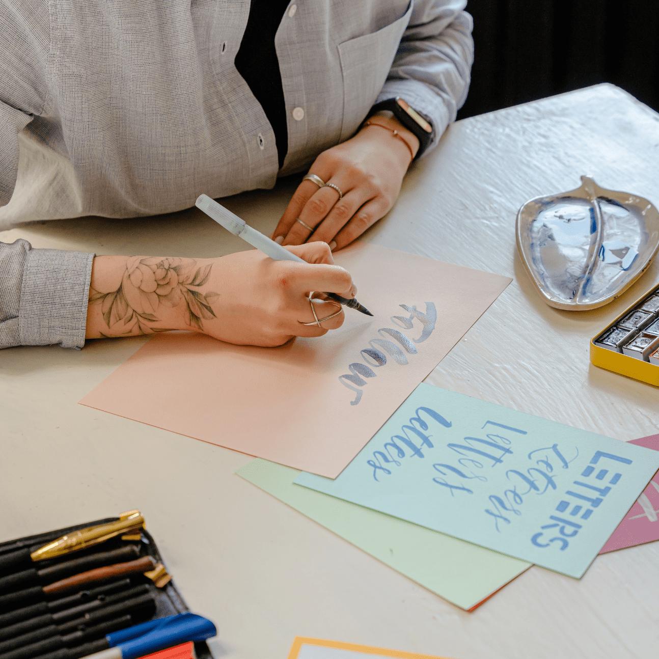 tatuaggi e lavoro: cosa sapere se hai dei tattoo e cerchi lavoro