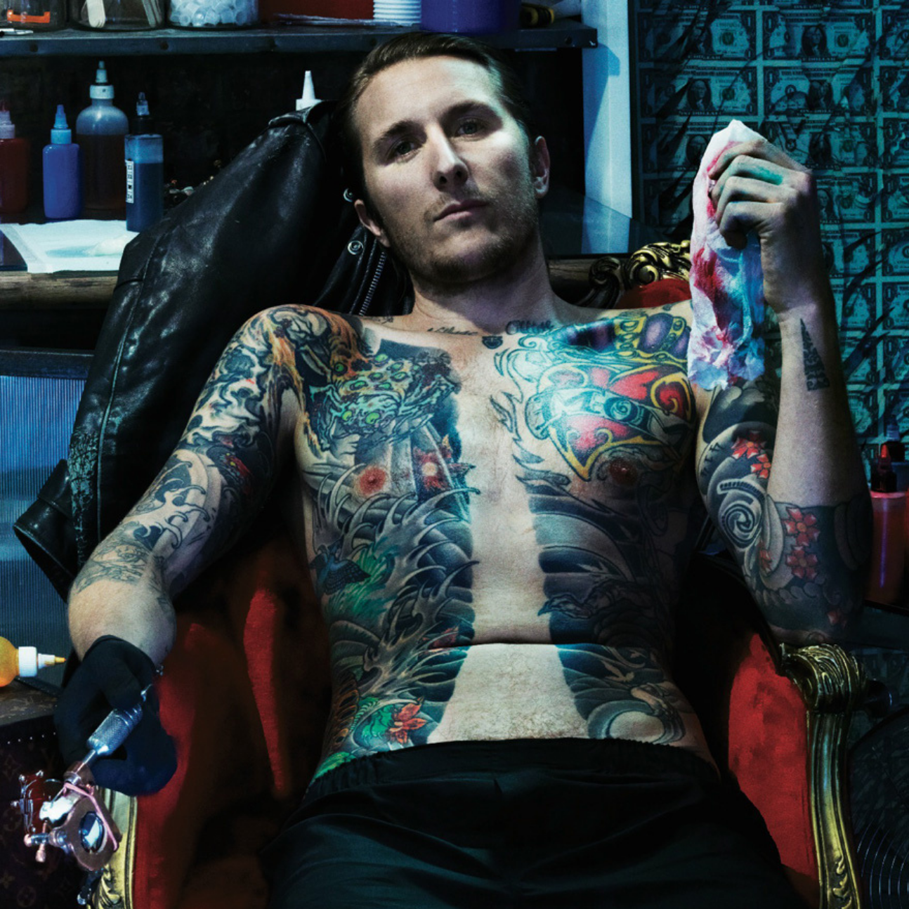 Scott Campbell ritratto in questa foto è il tatuatore più pagato al mondo